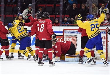 Swedes outclass Swiss